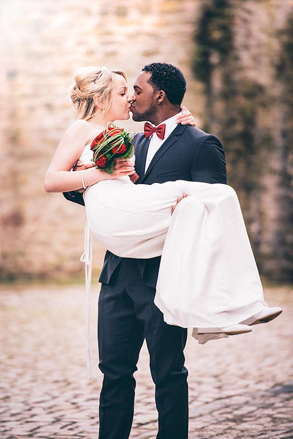 Hochzeitsfoto auf der Burg Rittersdorf bei Bitburg in der Eifel