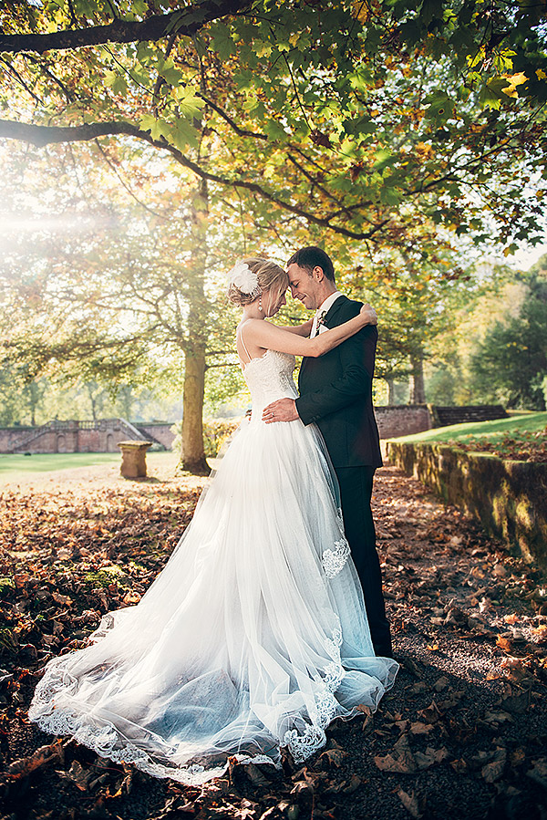 Herbstliches Hochzeitsfoto im Schloss Föhren 2014 (Bei Trier)