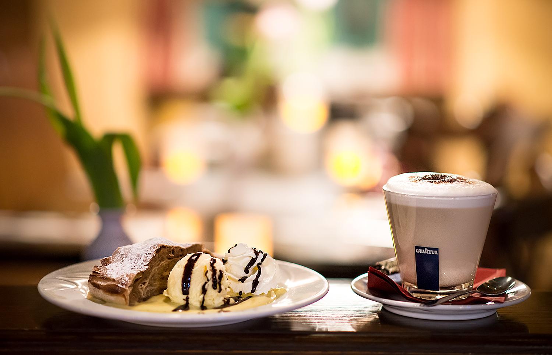 Restaurant Fotograf Trier: Cafe und Dessert in der Schlabbergass