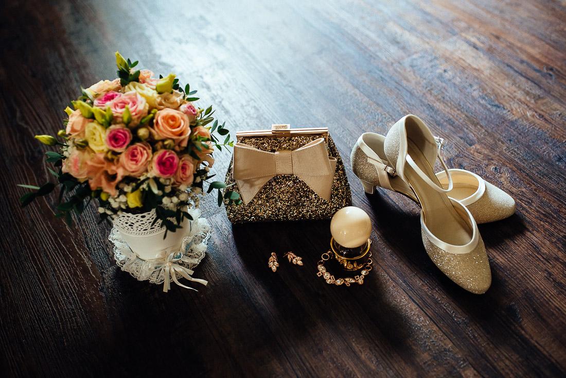 Accessories der Braut - Brautstyling und Makeup beim Getting Ready (Hochzeitsreportage)