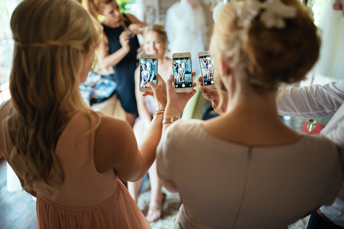 Getting Ready (Hochzeitsreportage)  mit den besten Freundinnen